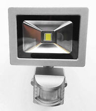 1 POWERSAVE LED PIR LOW ENERGY OUTSIDE SECURITY LAMP FLOOD LIGHT ELECTRIC SAVING