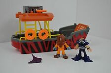 RARE FISHER PRICE IMAGINEXT FISHING BOAT / LANDING CRAFT with 2 FIGURES