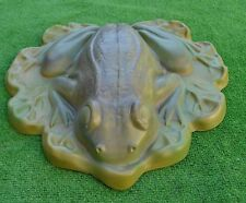 FROG Giant on Leafs MOLD CONCRETE stone garden plastic Mould