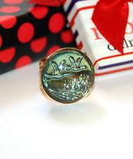 Vintage reverse carved glass intaglio ducks flying designer artisan Gold ring