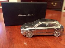 NEW ! / LIMITED EDITION MODEL : PORSCHE / Macan turbo