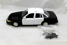 MotorMax 1998 FORD CROWN VICTORIA POLICE BLACK / WHITE 1/24 DIECAST CAR