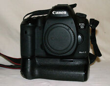 Canon EOS 5D Mark III 21.1MP 3''Screen Digital SLR Camera + Vello baterry pack