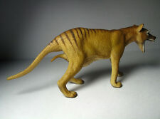 2016 New Collecta Animal Toy / Figure Thylacine (Tasmanian Tiger) - Female
