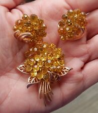 VINTAGE CROWN CITRINE BRIOLETTE TRIFARI FLOWER BOUQUET PIN BROOCH EARRING SET