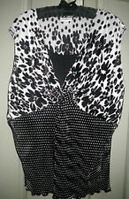 Chic 20 Black White Light Stretchy Polyester Spot Pleat Fabric V Neck Dressy Top