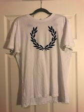 Para hombre Fred Perry T-Shirt * L * UK