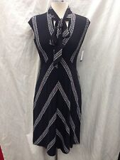 NINE WEST DRESS/BLACK/WHITE/SIZE 4/RETAIL$99/STEATCH JERSEY FABRIC/LENGTH$38""
