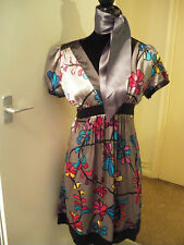 Ladies BNWT silk flower design dress by TOKITO Size 14 with added scarf