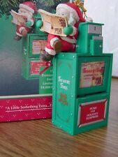 NEW ENESCO Christmas ORNAMENT Mouse in NEWSPAPER Stand A Little EXTRA EXTRA MIB