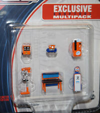 LIMITED EDITION 1/64 SCALE Greenlight GL Muscle Shop Tools GULF GAS diorama set