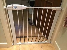 White Lindam Pressure Fit Stair Safety Gate (82cm)
