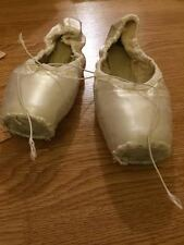 White Pointe shoes (no ribbon, 17 Pair Included)