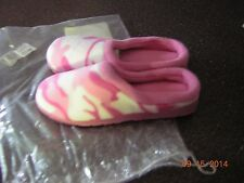 NIB New Women's Pink Camo Slippers House shoes - Size 5 6   Indoor Outdoor Sole
