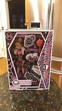 2009 Monster High CLAWDEEN WOLF w/Crescent 1st Wave Casket Style Box NIB NRFB