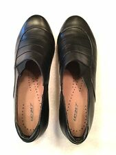 The Walking Company UC 24/7 Ila womens black leather size 11