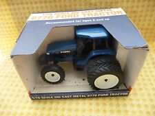 NEW HOLLAND FORD 1/16th SCALE 8770 TRACTOR, DIECAST, WITH ORIGINAL BOX.