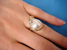 ! UNUSUAL LARGE PEARL AND DIAMOND LADIES DESIGNER RING, 6.9 GRAMS, SIZE 5.