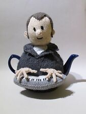 Keyboard Playing Music Man Tea Cosy Knitting Pattern - knit your own!