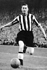 Football Photo JACKIE MILBURN Newcastle United 1953-54
