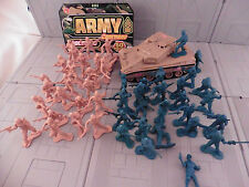 Motorized toy tank and army men! military combat soldier plastic toy LB72