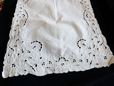 VTG White Linen Madeira Cutwork & Hand Embroidered Dining table dresser runner