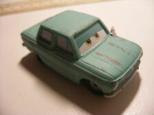 Mattel Disney Pixar Voiture CARS 2 Die Cast Metal 1/55 PETROV TRUNKOV
