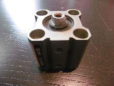 SMC Kompaktzylinder ECQ2B20-15D