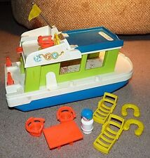 VINTAGE 1970's FISHER PRICE HAPPY HOUSEBOAT 985 YACHT WITH ACCESSORIES TOT FUN !
