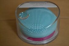 Sealed Foreo Luna Play innovative facial-cleansing device in mint colour RRP £29