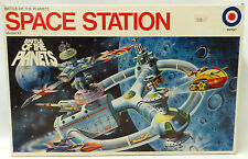 BATTLE OF THE PLANETS : SPACE STATION MODEL KIT MADE BY ENTEX IN 1978 (MLFP)
