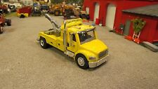 CUSTOM BUILT YELLOW FREIGHTLINER M2 SEMI CAB WRECKER MED DUTY TOW TRUCK 1:64/DCP