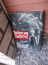Spione am Laufsteg, ein Roman von Karl-Heinz Küster, aus dem Franz Decker Verlag
