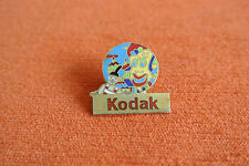 17898 PINS PIN'S KODAK PHOTO FILM COULEURS DU MONDE CHINE CHINESE CARNAVAL