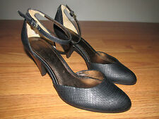 REACTION KENNETH COLE Closed Toe Heels with Ankle Strap~Womens Size 9~Black~EUC