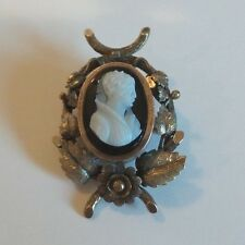 ANTIQUE HARDSTONE CAMEO VICTORIAN LADY BROOCH, GOLD FILLED MOUNTING