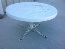 Vintage shabby chic Round iron patio table Fiberglass lawn garden Table