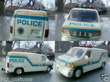 1/43 ford econoline Philadelphia Pennsylvania  police car