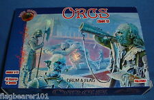 DARK ALLIANCE - ORCS (SET 1). 1/72 SCALE UNPAINTED PLASTIC FANTASY FIGURES