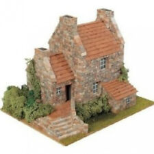 Elegant, finely detailed model kit by Domus: Country 3