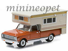 GREENLIGHT 29838 HOBBY EXCLUSIVE 1971 CHEVROLET C10 CHEYENNE & LARGE CAMPER 1/64
