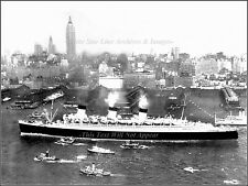 Photo: The RMS Queen Mary Cruises NY Harbor After WWII Troopship Duties Ended