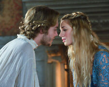 Toby Regbo UNSIGNED photo - E325 - Reign