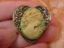 (CS39-2) Woman Lady ivory + lime green CAMEO heart brass Pin Pendant brooch