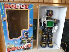NIB 1997 Robot Explorer w/ Wings Son Ai Toys SA-338 Battery Op. NOT Working