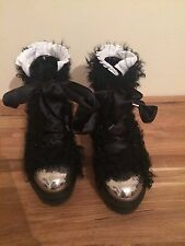 VERY RARE BN Alexander Mcqueen runaway boots shoes sz. 40 / UK7 sheep fur