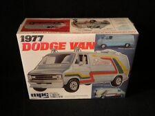 MPC 1977 Dodge Van 1/25 Kit