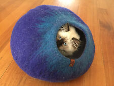 SAMMYZU Cat Cave, Cat Bed, Cat House, Igloo, PURE MERINO WOOL 'Crystal Blue' L