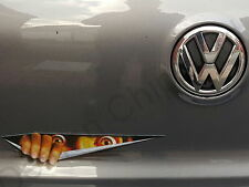 Diable DEMON peeking Monster Autocollant Voiture Badge décal. Drôle Cool VW POLO FOX jusqu'