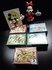 Lot d'articles Mini Puzzles Schmidt Walt Disney + figurines + Autocollant Mickey